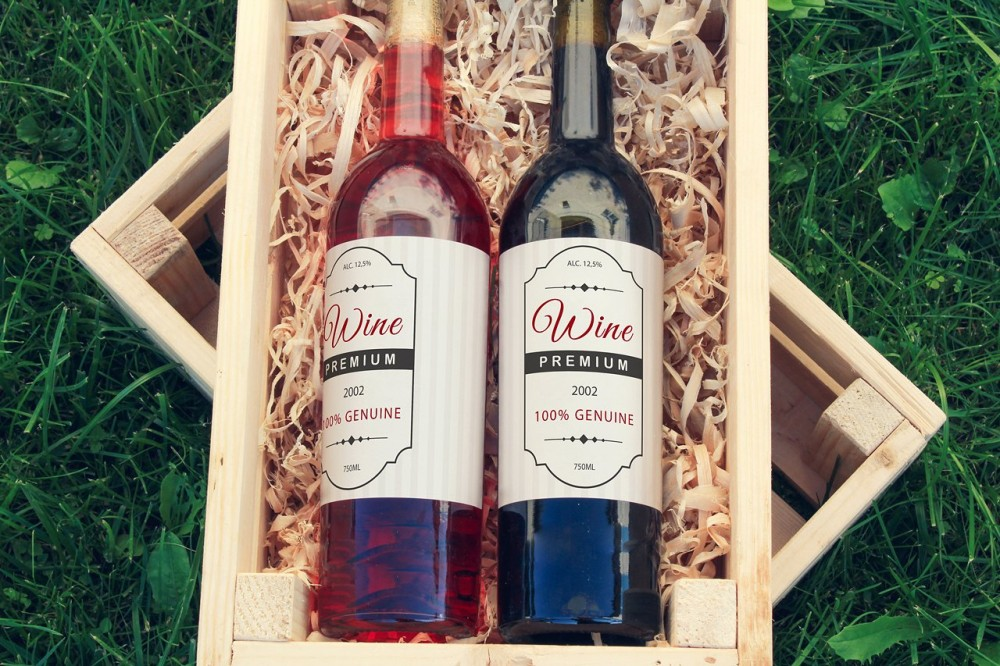 Wine Bottles in Wooden Box Mock-up Pack